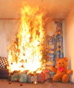 Entwicklung des Brandes eines Weihnachtsbaumes<br /> Foto: Kollinger, 0043 / 676 / 31 36 617